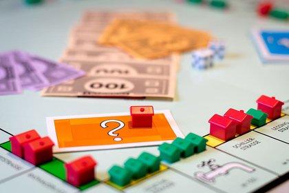 MonopolyHousing_2.jpg