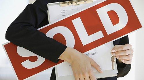 agent-sold-sign.jpg